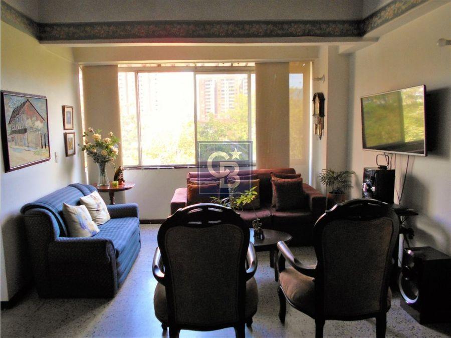 2049418pv venta apartamento en los colores