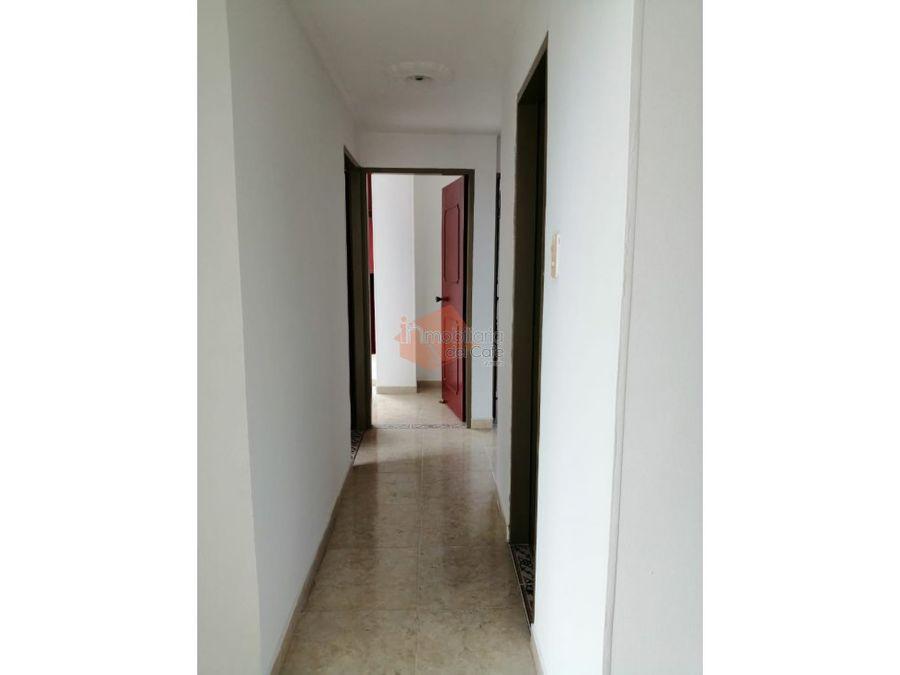 se arrenda apartamento en el centro de armenia q