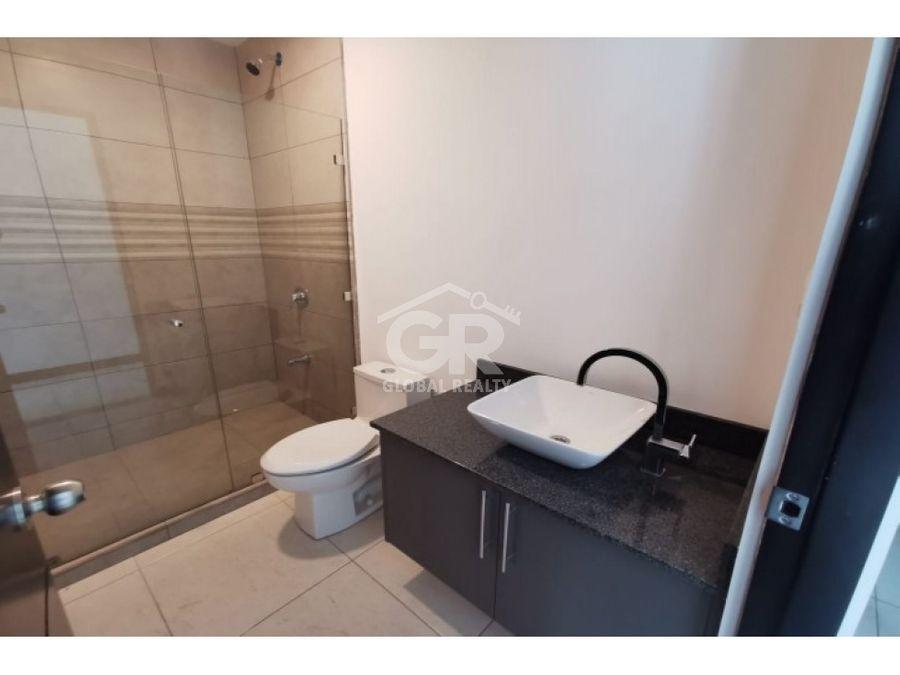 alquiler de apartamento nuevo a pocos minutos del centro de moravia