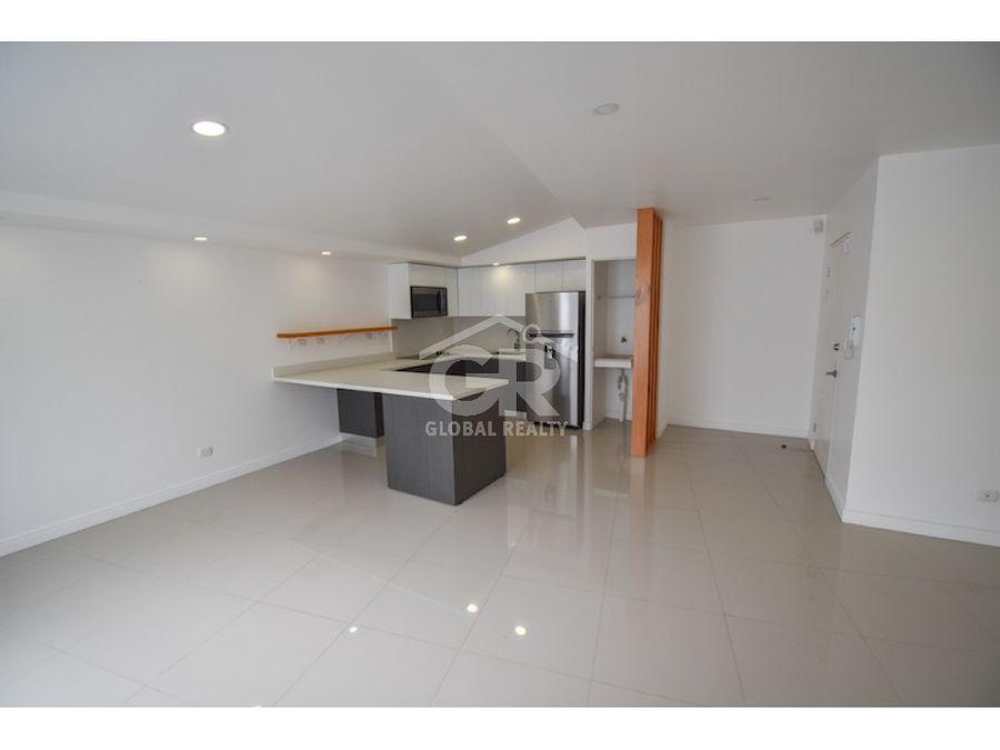 apartamento en alquiler ubicado en rohrmoser con linea blanca