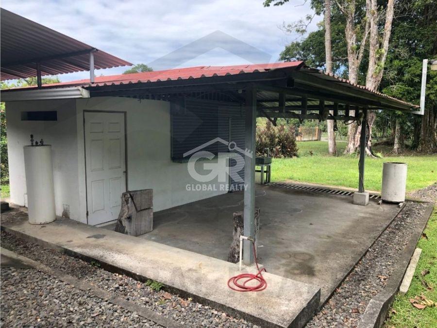 venta de quinta residencial guapiles colonia 2186