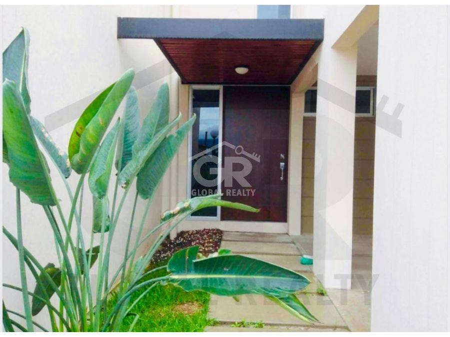 venta de casa en condominio en guayabos de curridabatcr 1114