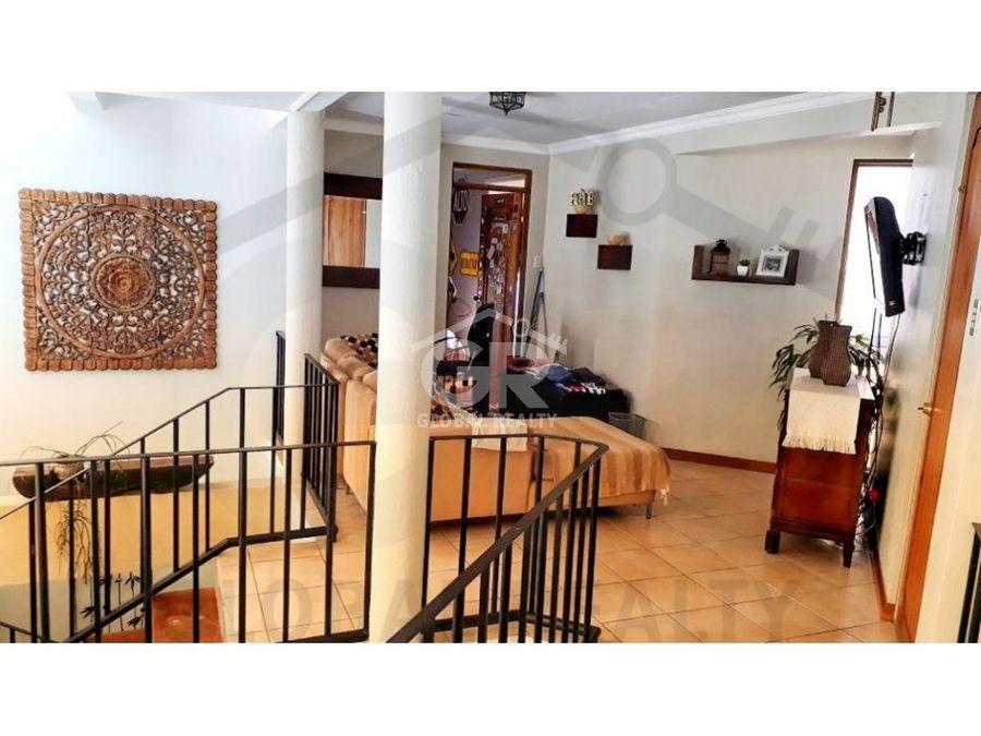venta de linda casa en lomas de ayarco san josecr 1473