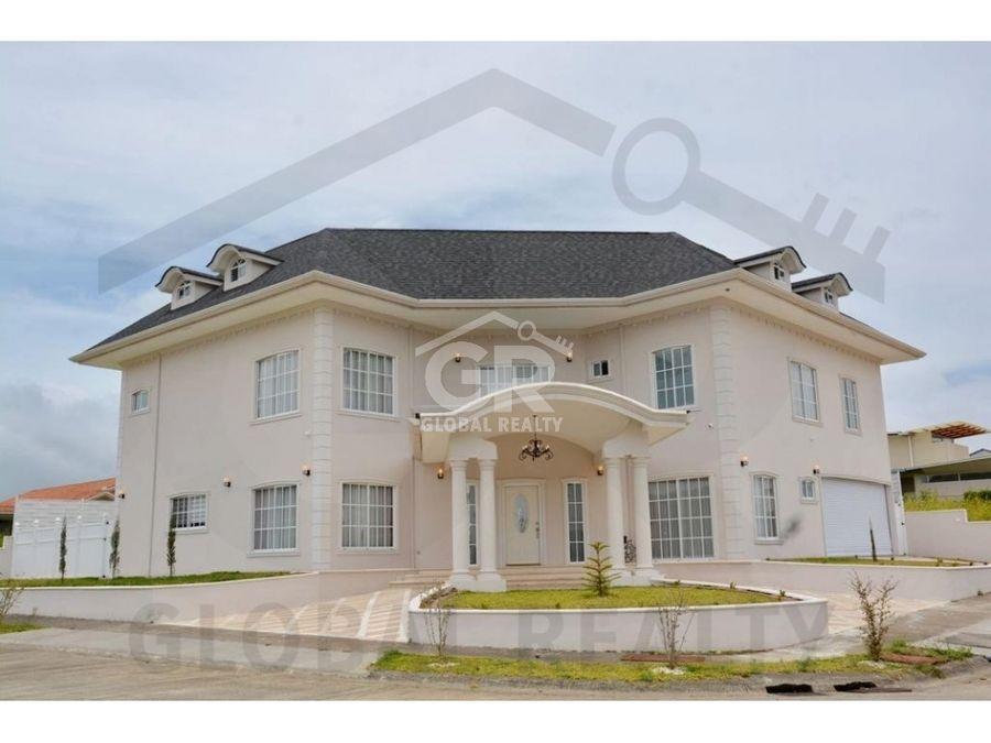 venta casa en residencial lomas del zurqui herediacr 1836