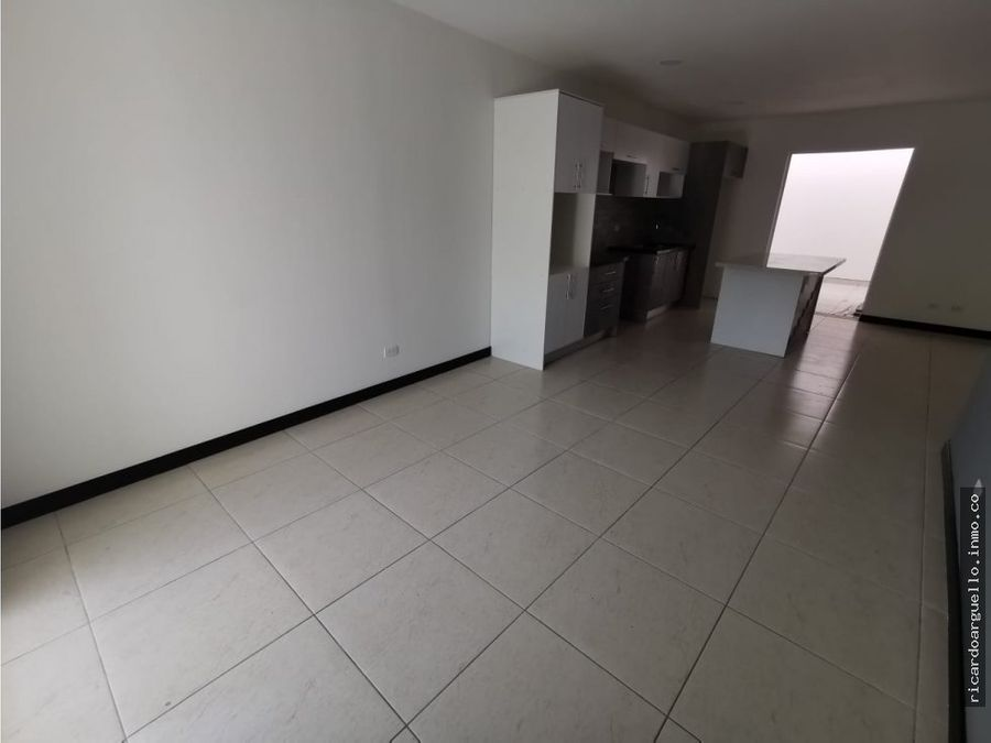 venta de apartamento nuevo a pocos minutos del centro de moravia