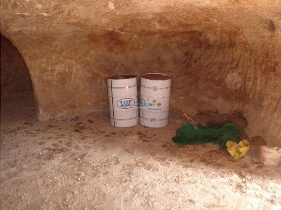 finca rustica con cueva en jama