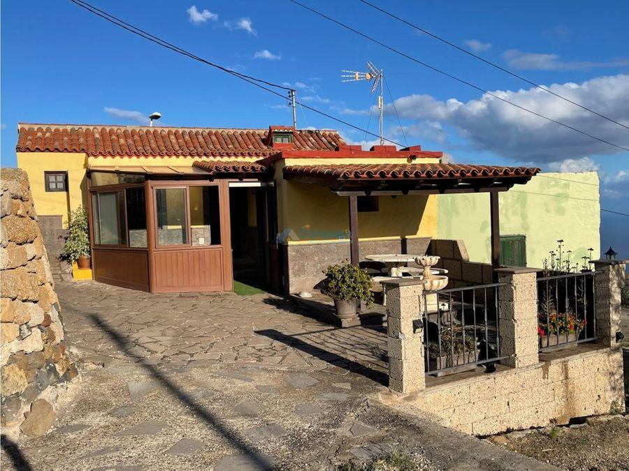casa terrera con depandance ubicada en fasnia arico