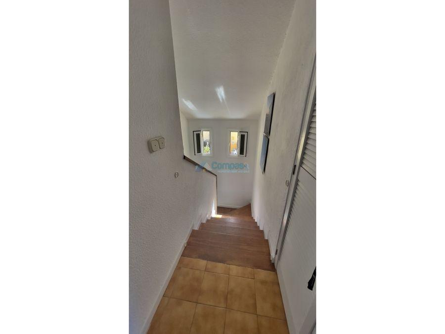 espacioso duplex de dos dormitorios y dos banos en torviscas bajo