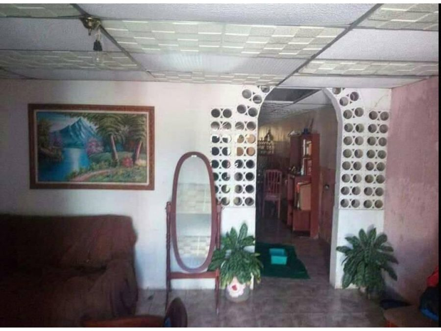 se vende casa en la avenida orinoco sector centro ve02 365sc rmm