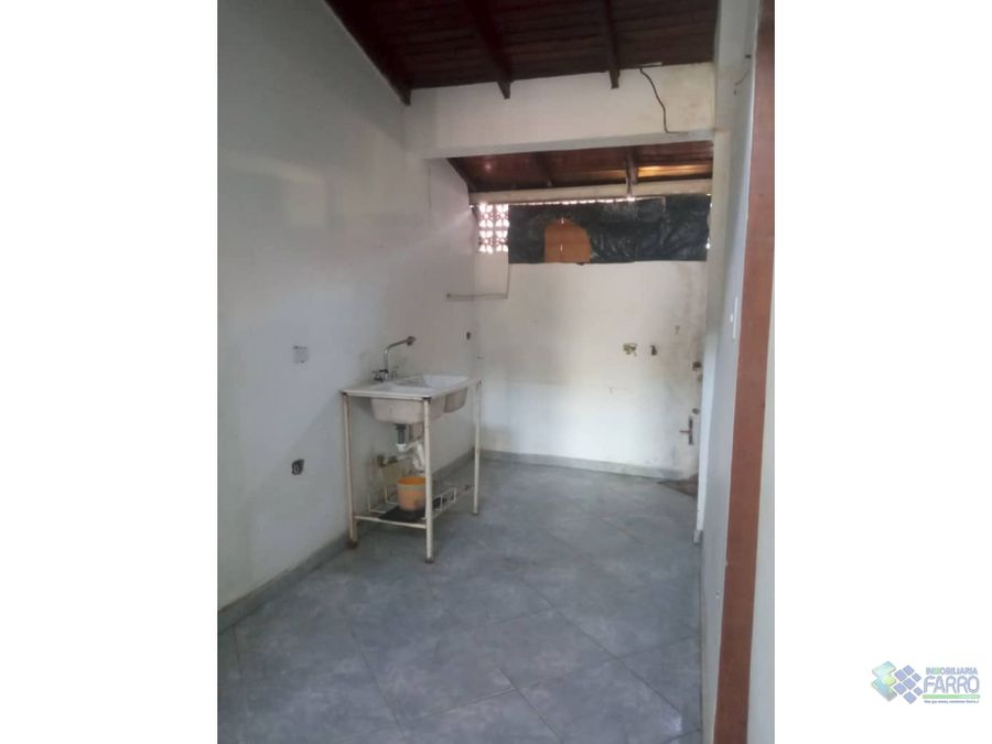 se vende casa con apartamentos en urb las trinitarias ve02 439lt myf