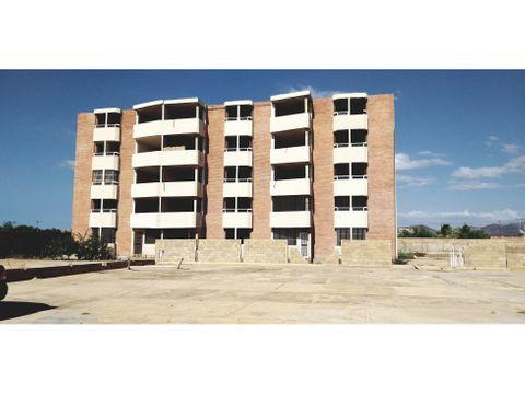 se vende edificio en nueva barcelona ve02 005az kec