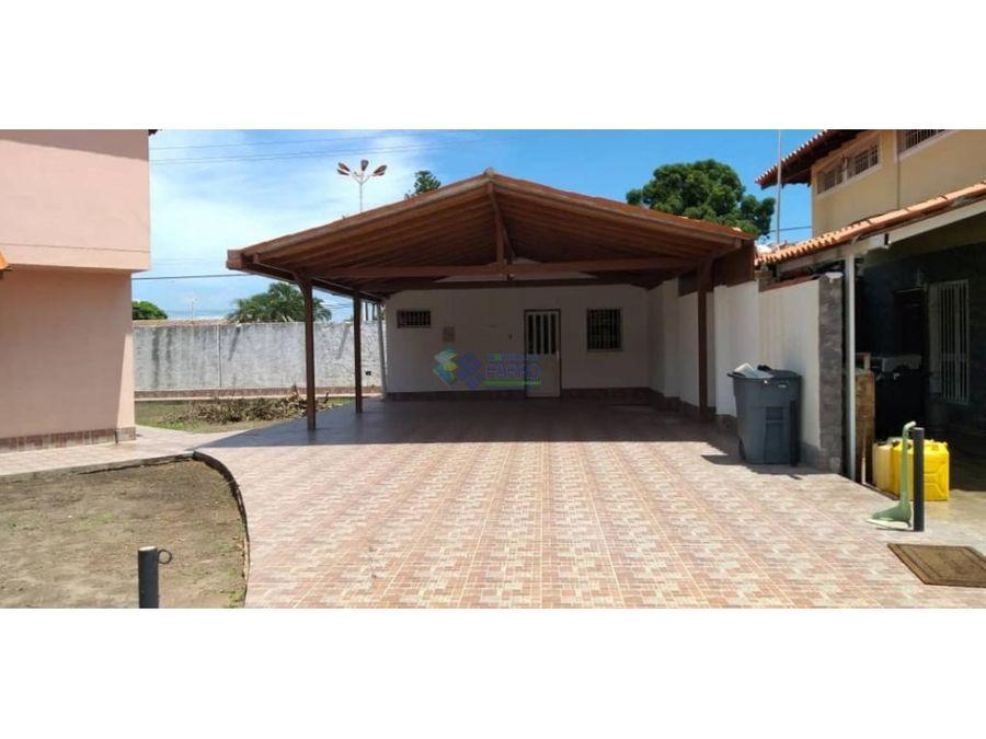 se vende town house en urb oasis anaco ve01 0934anz lpr