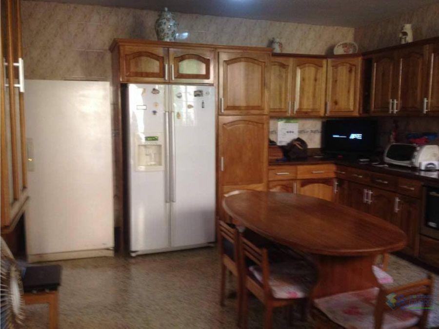 se vende casa en calle libertad carupano ve02 427cs rg