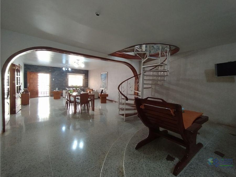 se vende casa urb villa ayacucho ii cumana ve01 0864cu ye