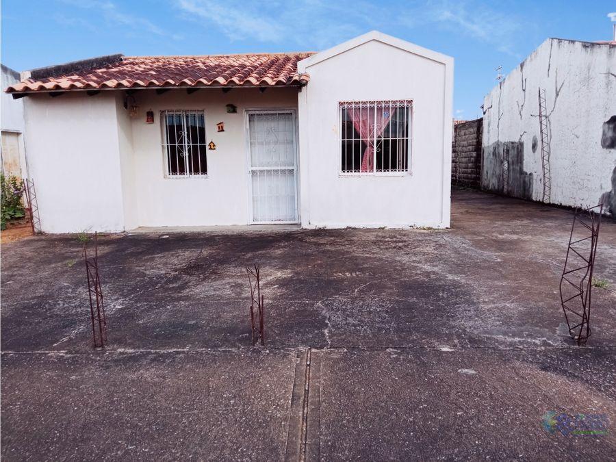 se vende casa en urb entrada al paraiso ve01 0860zn mv
