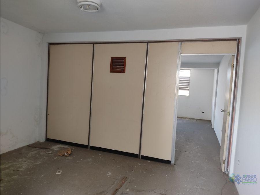 se vende oficina en el centro edif sebastiani ve02 407sc ss