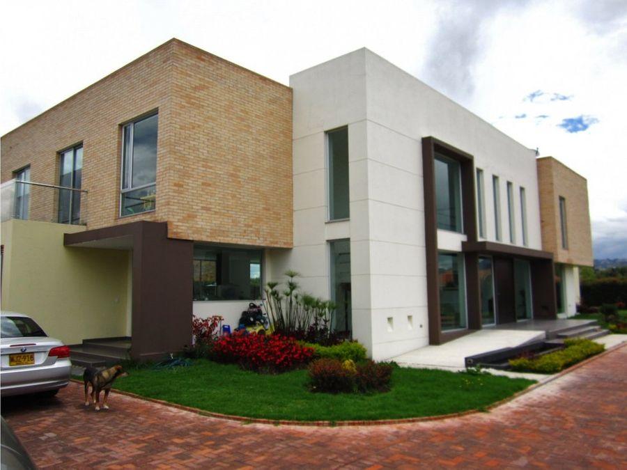 se vende hermosa casa en chiacerca de piedra