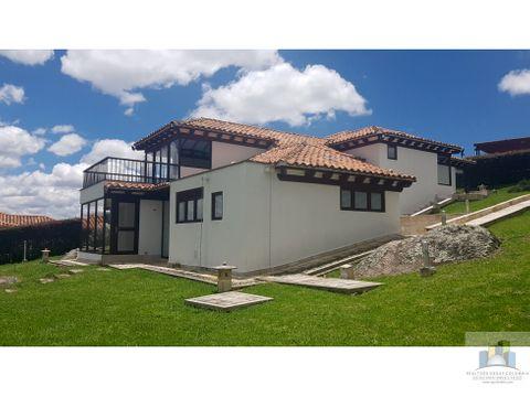 se vende linda casa en encenillos de sindamanoy chia
