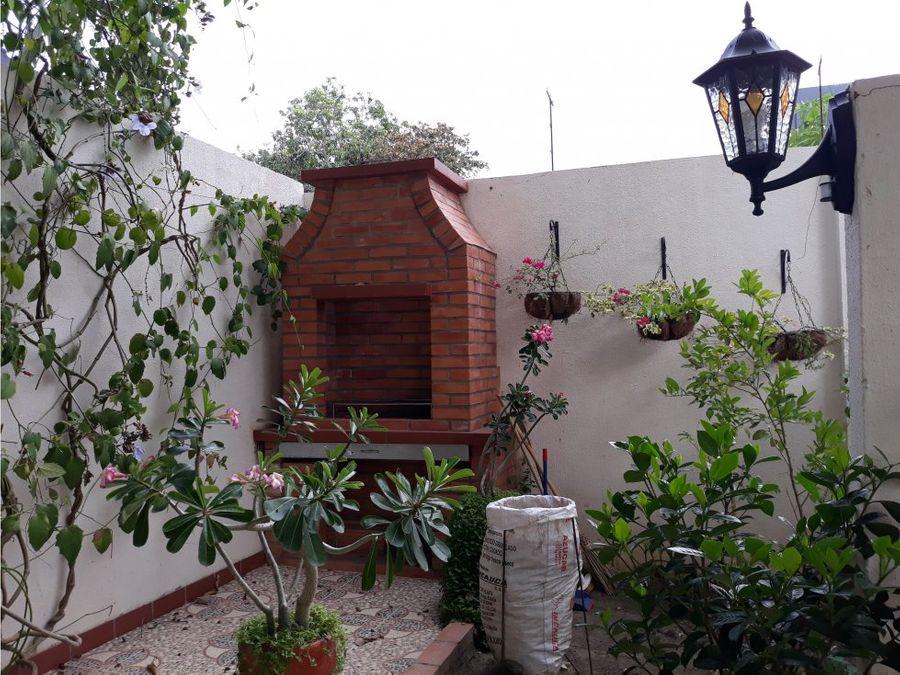 casa amplia en castellana cerca al banco bogota