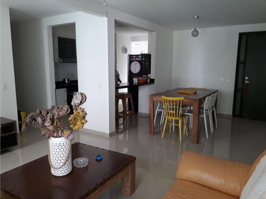 amplio apartamento montecarlo castellana con patio