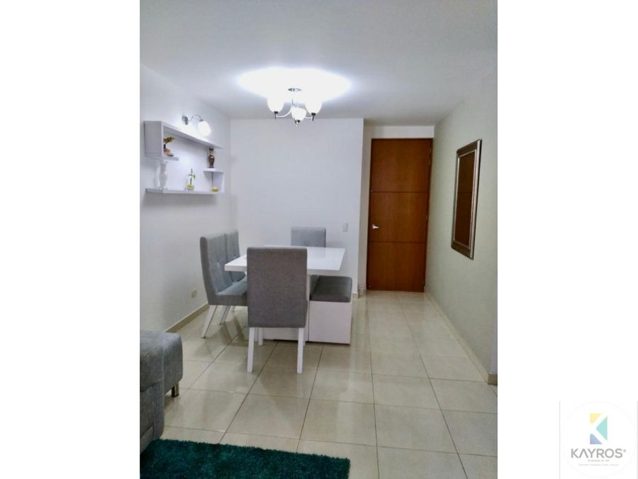apartamento de 3 habitaciones en la castellana