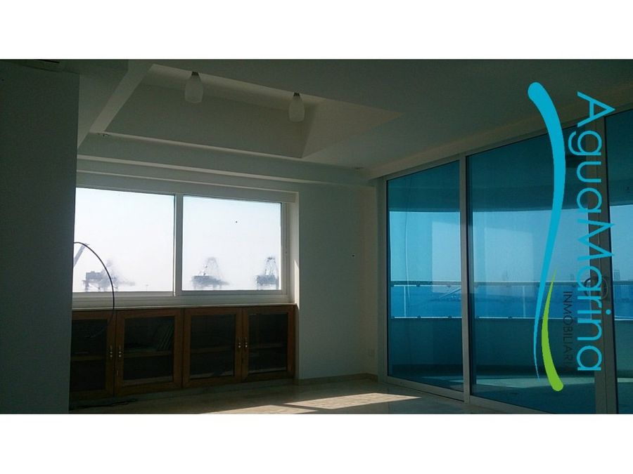 se vende penthouse duplex en manga