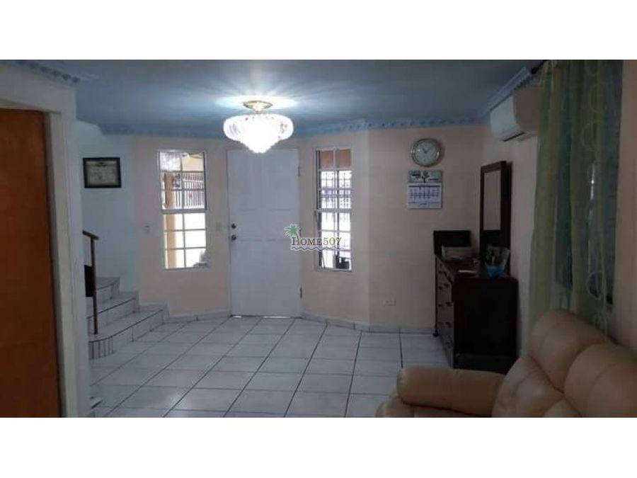 venta de casa duplex en condado del rey