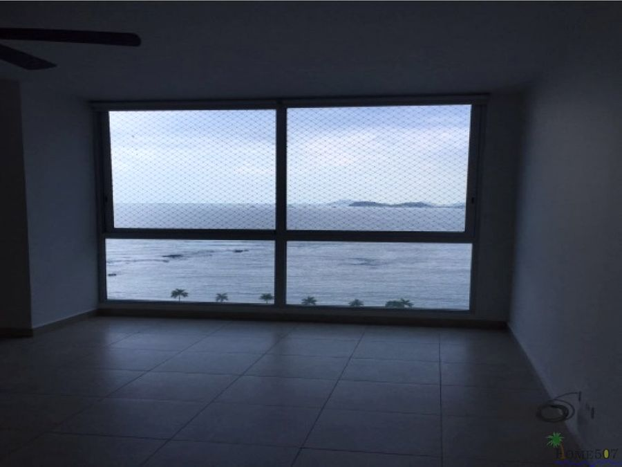 apartamento en venta a metros de la av balboa