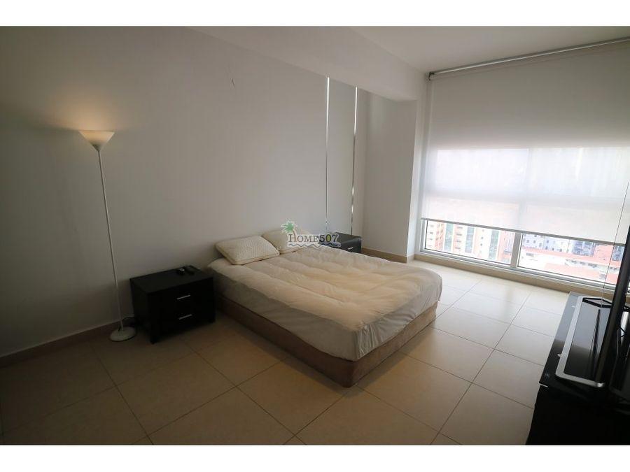 lujoso apartamento en avenida balboa panama