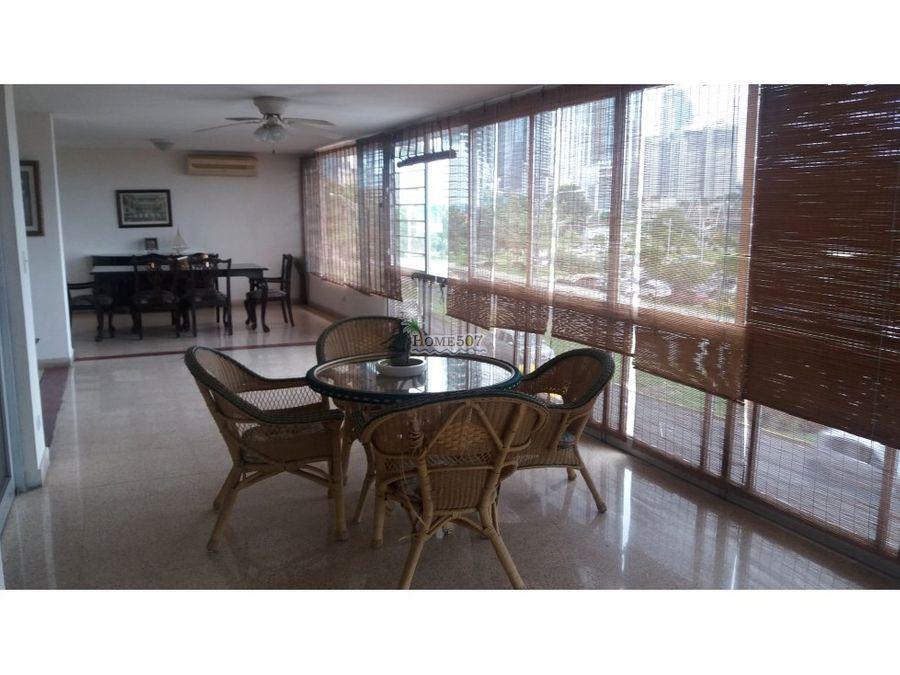 amplio apartamento amoblado av balboa panama