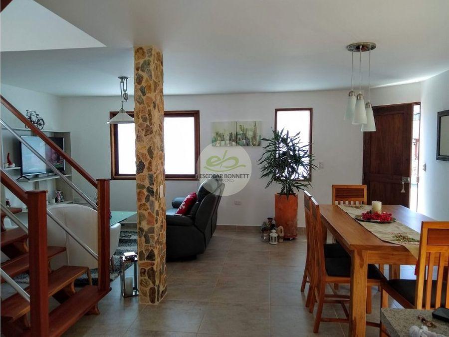 venta casa en la ceja en condominio