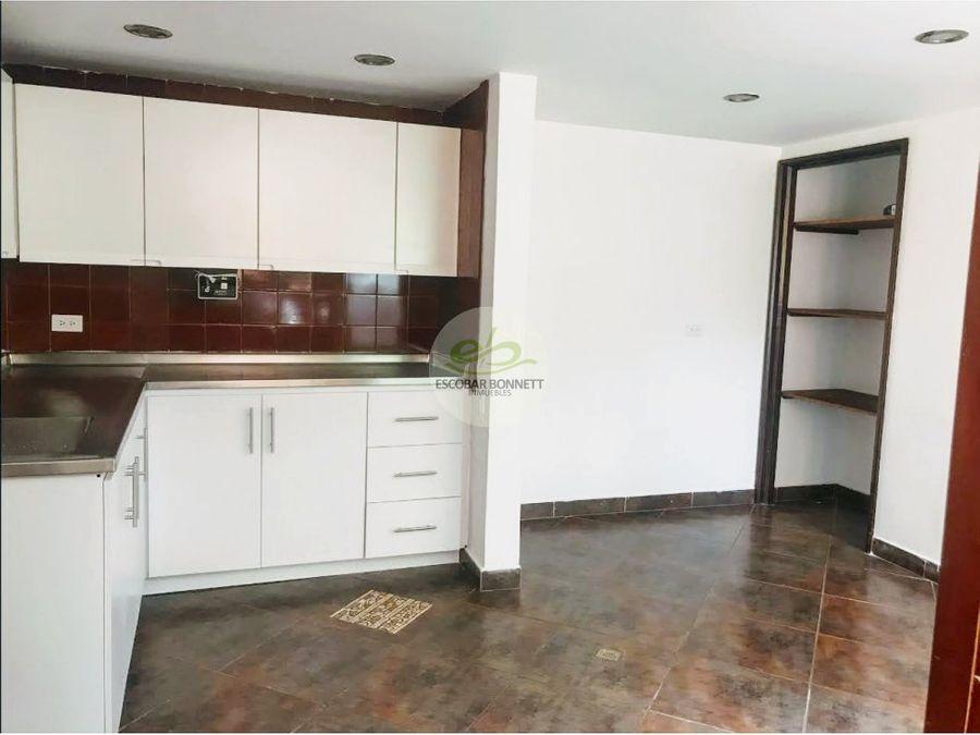 en venta apartamento en el poblado trv inferior