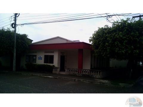 vendo casa esquinera en el barrio eden monteria