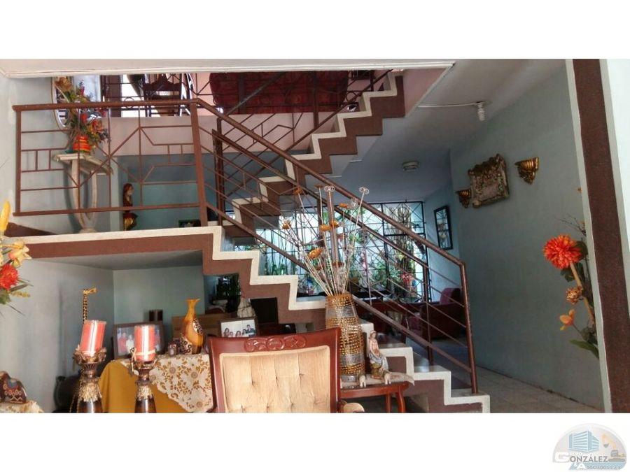 vendo casa 2 pisos centro incluye locales monteria