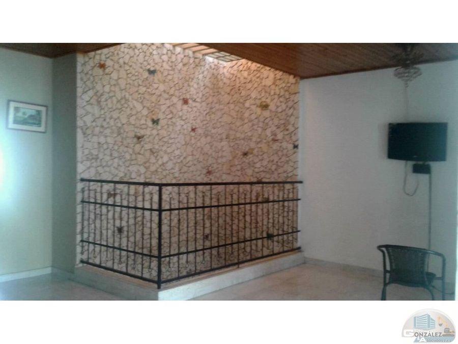 hermosa casa para vender en portal de almeria
