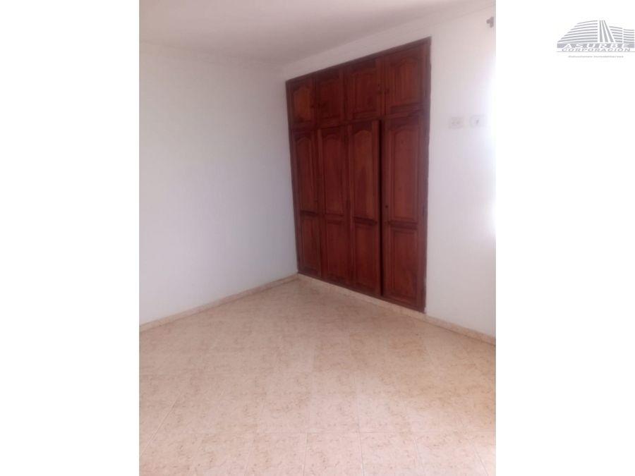 se vende casa de dos pisos en la castellana monteria