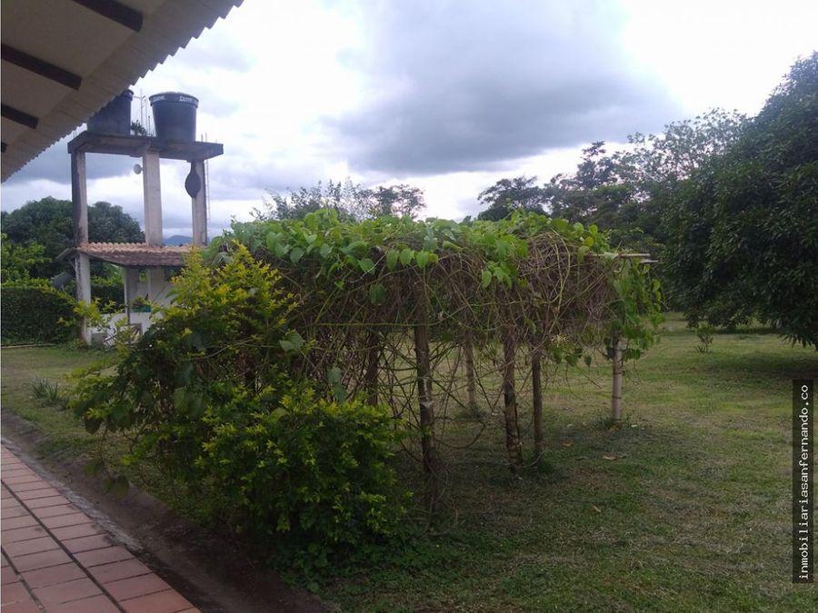 casa campestre muy cerca a acacias