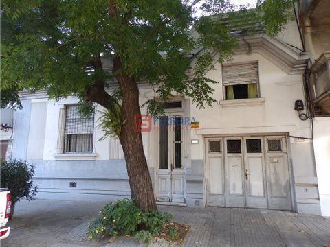 vende casa 3 dormitorios 2 banos garaje y azotea