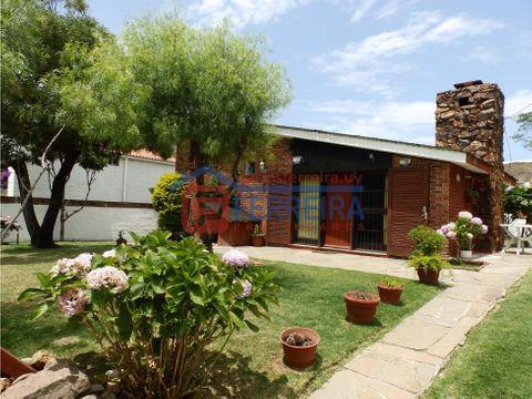 vende casa 2 dormitorios villa argentina sur