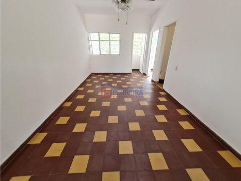 vende apartamento 3 dormitorios y terraza