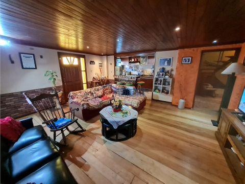 vende casa 3 dormitorios 2 banos garaje y barbacoa
