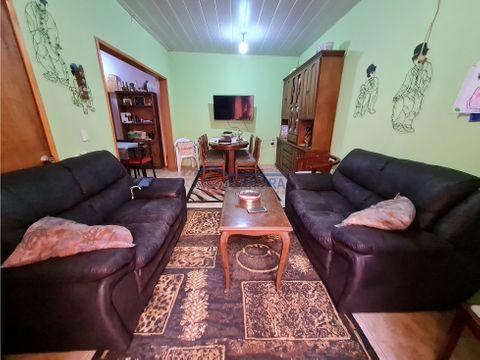 vende 2 casas 180 m2 4 dormitorios 2 banos y garaje