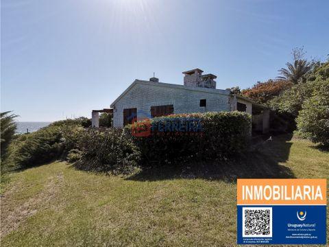 vende casa amplia en un terreno de 1194 m2