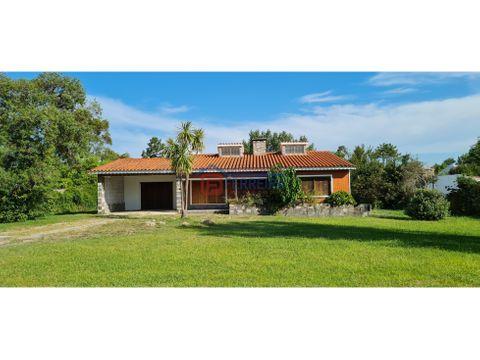 vende casa 3 dormitorios terreno de 1398 m2 sur