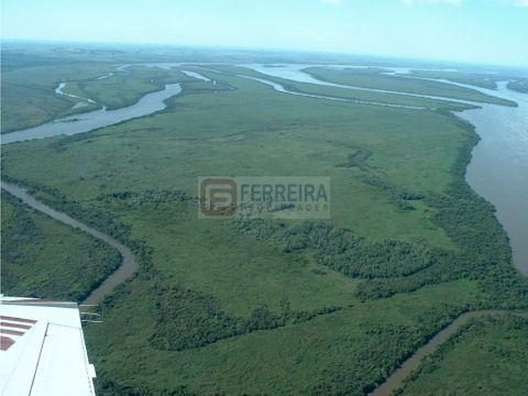 4568 has en 8 islas sobre el rio uruguay