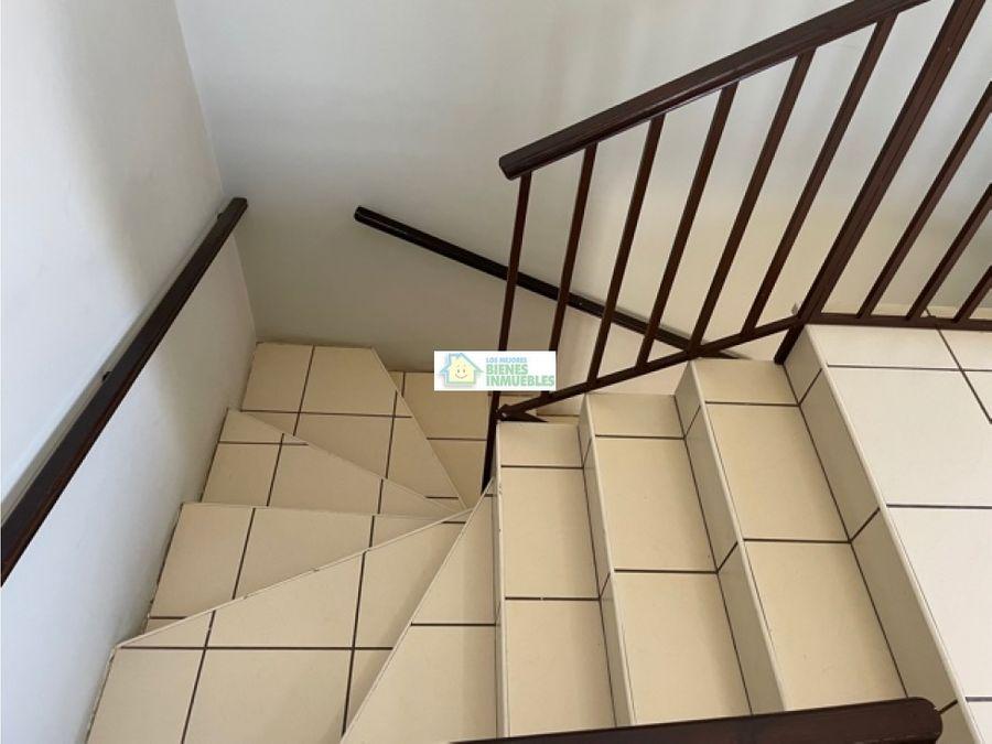 casa en alquiler en condominio los alisos xela