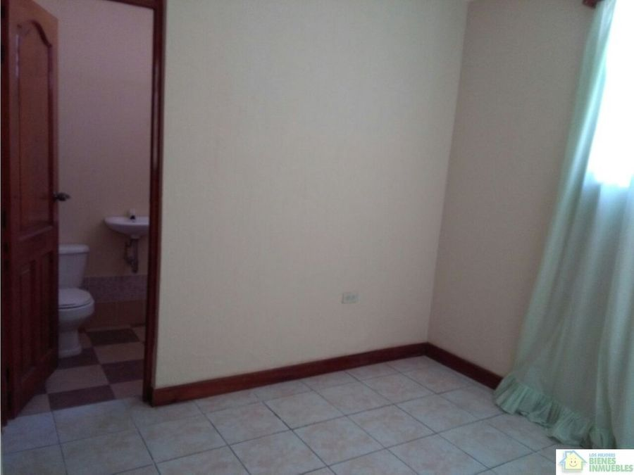 casa en alquiler en condominio zona 3 xela