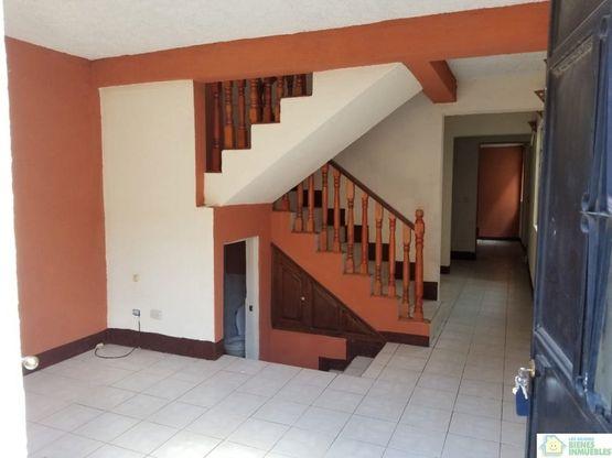 casa amplia en alquiler en la esperanza xela