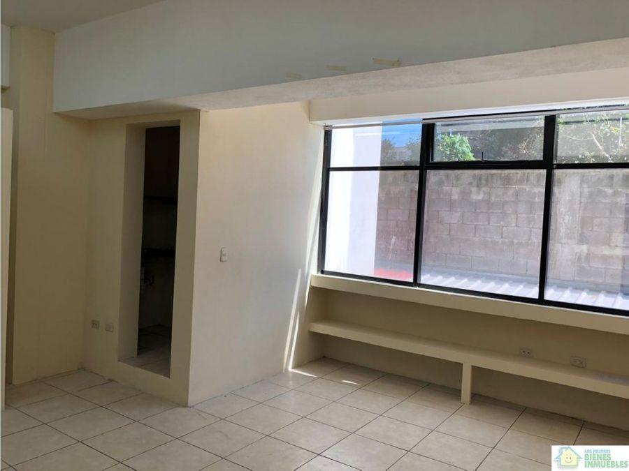 oficina en alquiler en edificio zona 3 xela