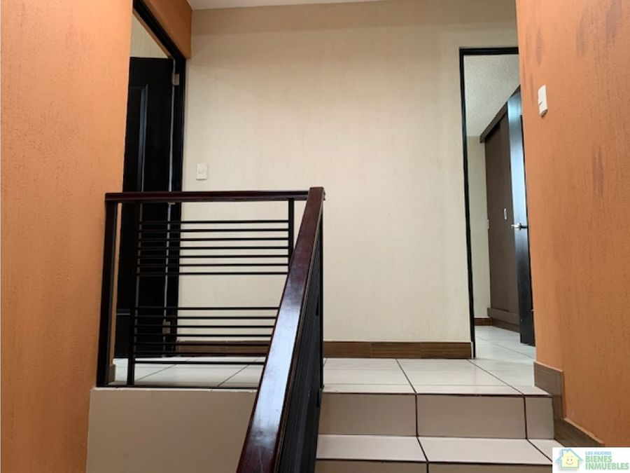 casa amplia en alquiler en condominio zona 7 xela